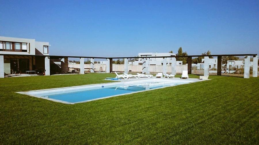 Piscinas de hormigon ideas construcci n piscina for Borde piscina hormigon