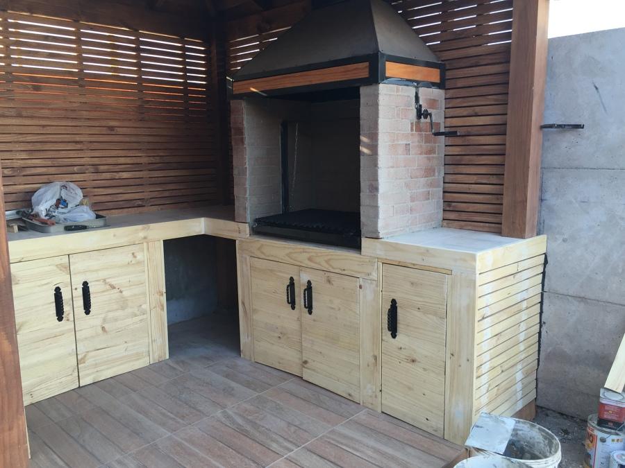 Construcción de Quincho en Bruto.