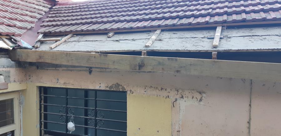 Desmontaje Parcial de tejas de la casa