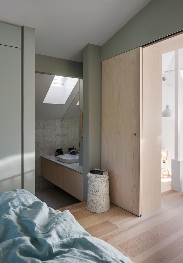 Foto dormitorio en tonos verde agua 201298 habitissimo for Dormitorios verde agua