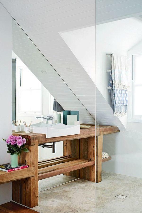 Cubierta de madera en baño