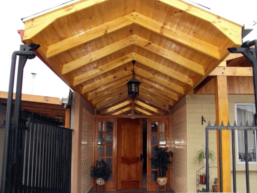 Cobertizo y muro ideas carpinteros for Casas con cobertizos