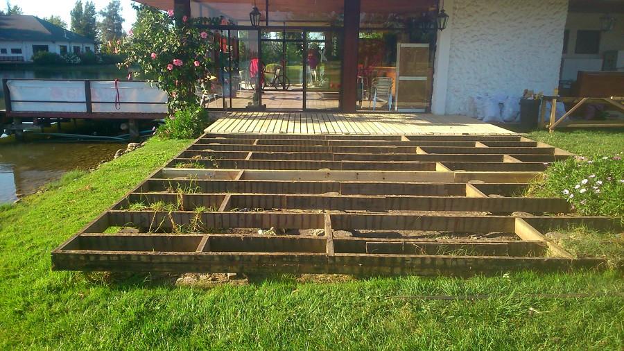 Terraza con madera tipo deck ideas pisos madera for Pisos de terrazas