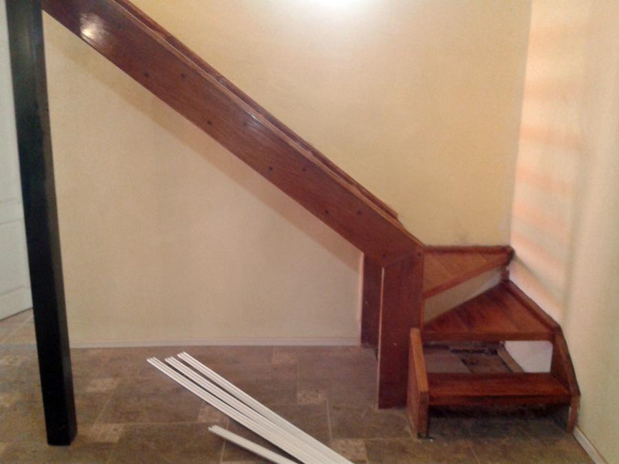 Foto escalera remodelada madera a la vista de jorge for Como hacer una escalera de madera para segundo piso