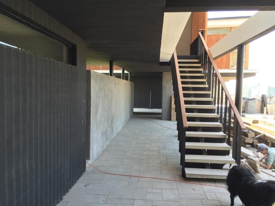 Casa las pe as ideas construcci n casa - Fotos de escaleras exteriores de casas ...