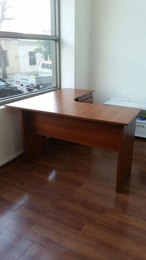Muebles de oficina archivadores y escritorio ideas remodelaci n oficina for Muebles de oficina con llave