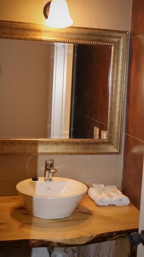 Caba as hoster a el cop hue olmu ideas dise o de interiores - Aplique espejo bano ...
