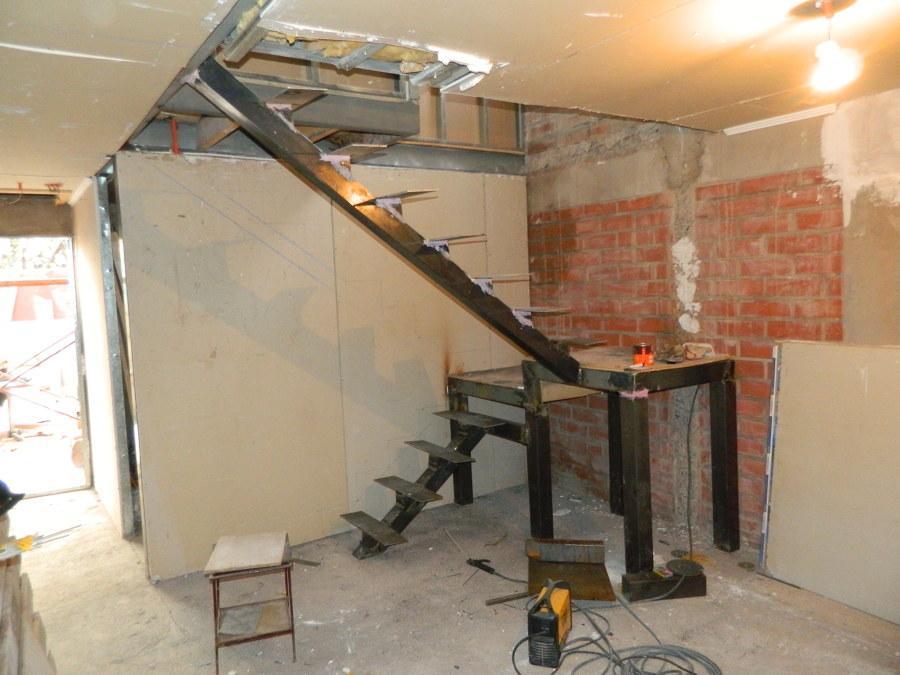 Foto estructura de escalera al aire de constructora kasal - Escaleras al aire ...