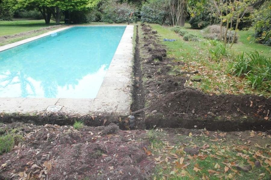 excavacion de 12 cm de ancho y 30 cm prof