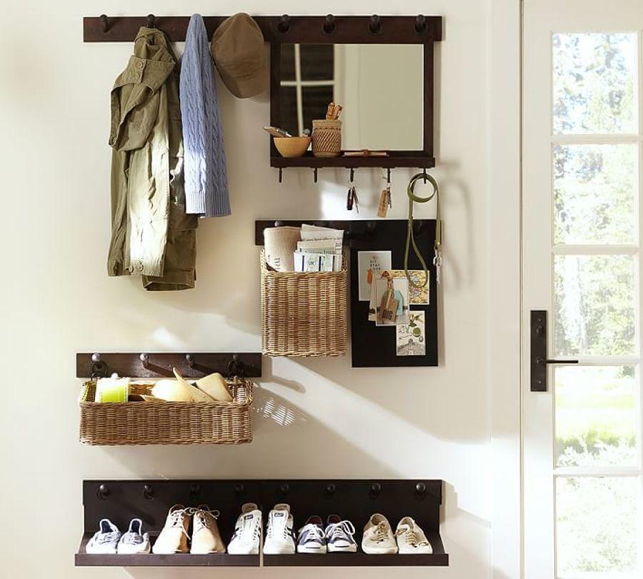 Hall pequeño con almacenaje de pared