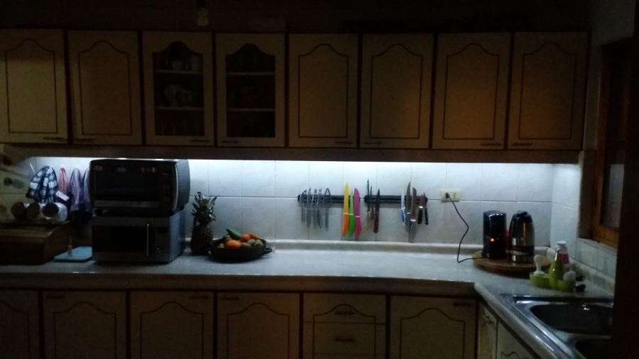 Instalaci n de luces led en muebles de cocina ideas - Luces led cocina ...