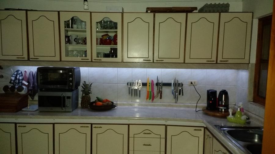 Instalaci n de luces led en muebles de cocina ideas - Iluminacion cocina led ...