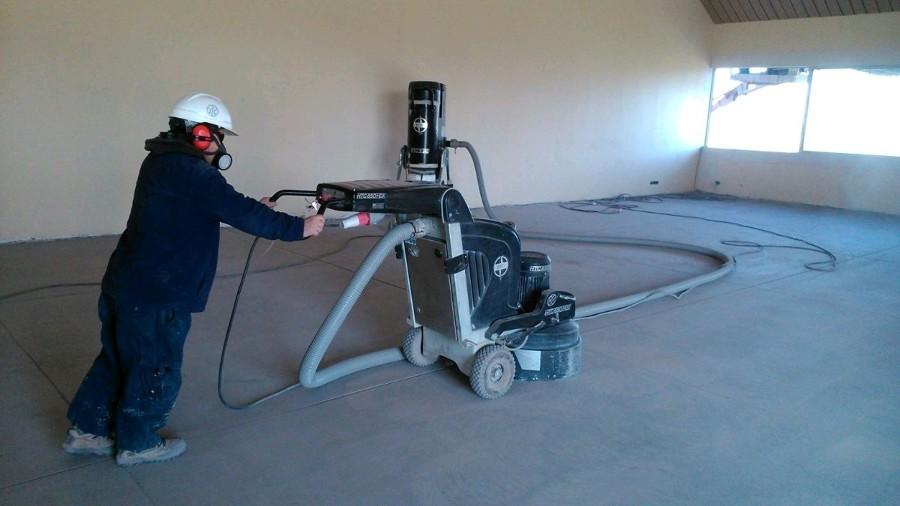 Inicio de proceso de pulido de piso