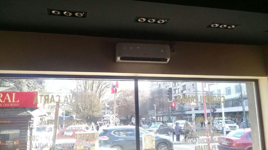 Instalación de aire acondicionado en comedor primer nivel