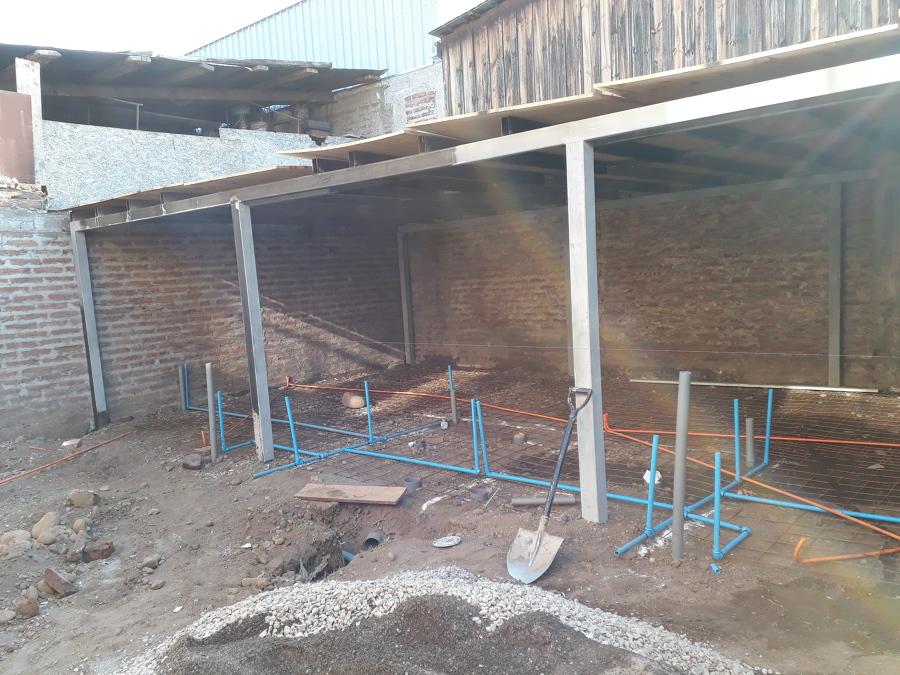 Instalación de alcantarillado Agua y electricidad 1°nivel