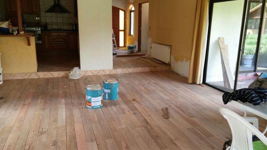Foto instalaci n de piso de madera de limpieza de - Instalacion piso madera ...