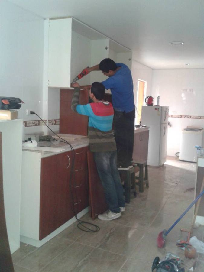 Foto: Instalación Muebles de Cocina de Constructora Santos #75579 ...