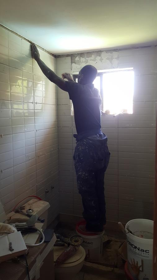 Instalación porcelanato muro