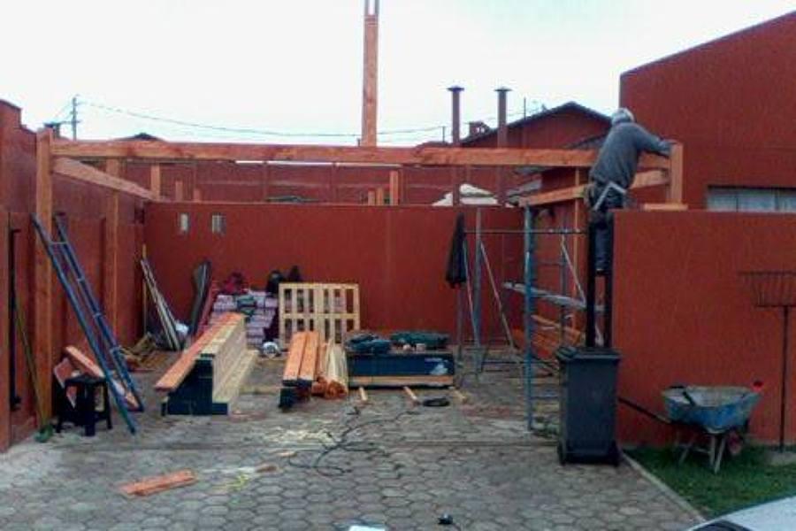 Foto instalacion vigas perimetrales porche de ingenieria for Porche diseno