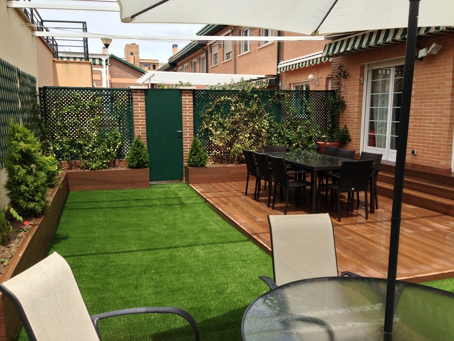 C mo elegir el mejor c sped artificial para tu jard n o - Cesped artificial terraza ...