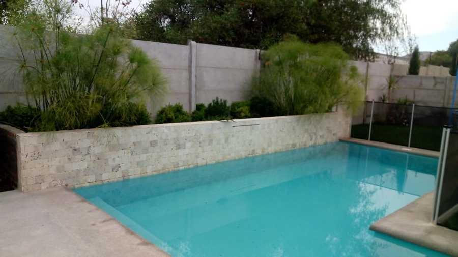 jardinera piscina