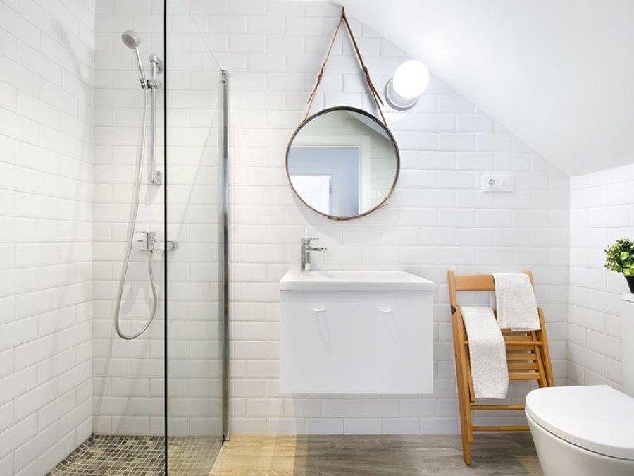C mo tener el lavamanos perfecto en tu ba o ideas for Lavamanos suspendido