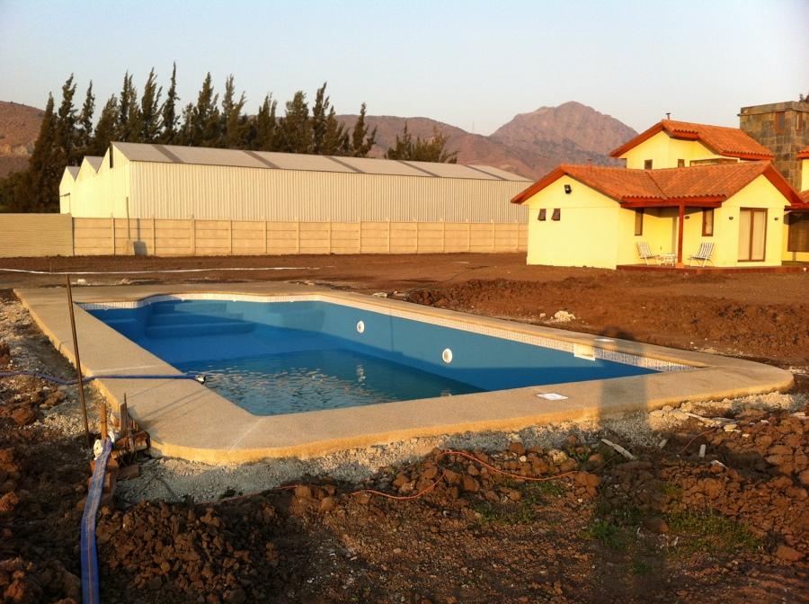 Foto llay llay de construcci n de piscinas en todo chile for Construccion de piscinas en santiago