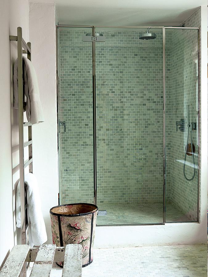 Mampara de ducha con puerta abatible