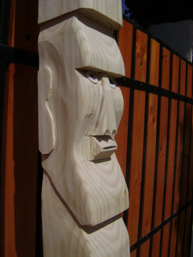 Moai tallado en cuarton