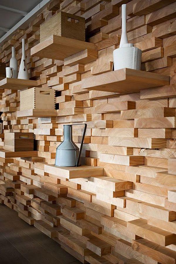 Muro con módulos de madera