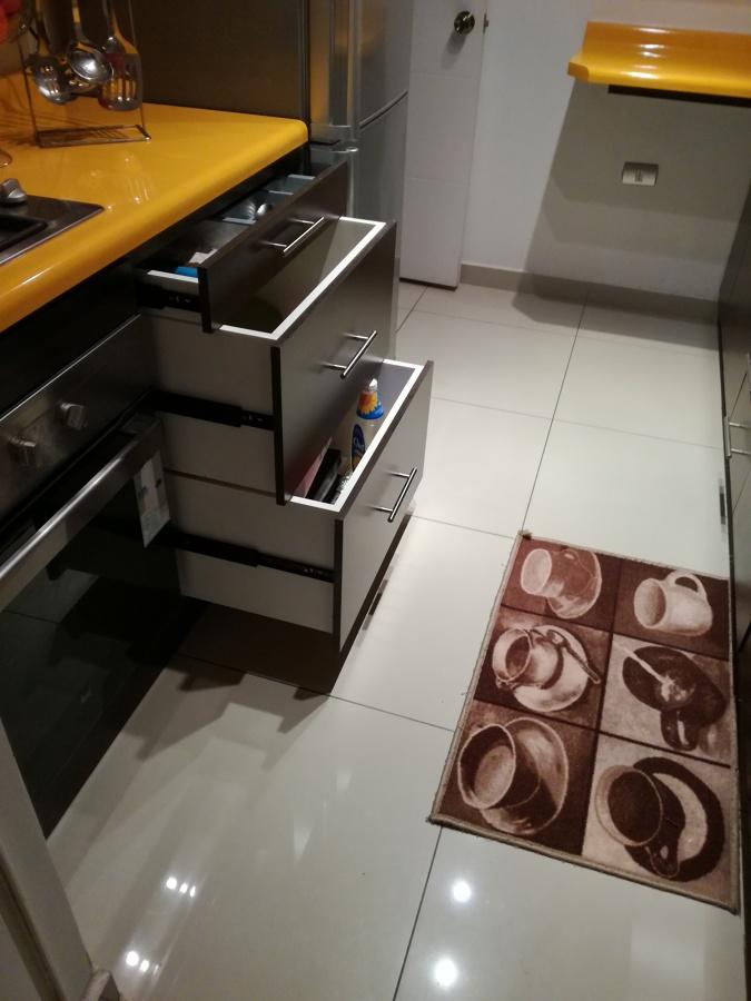 Mueble base con 3 cajones y cubetera
