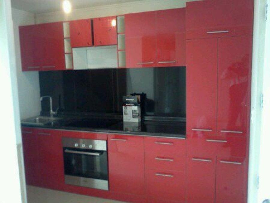 Foto mueble de cocina de alto brillo de muebles for Mueble alto cocina