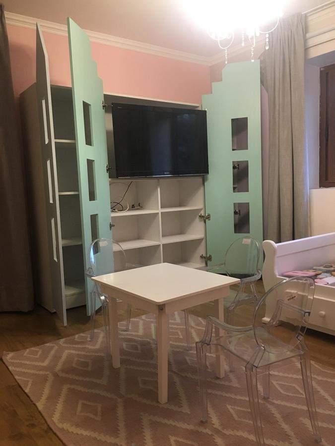 Mueble Juguetes + TV