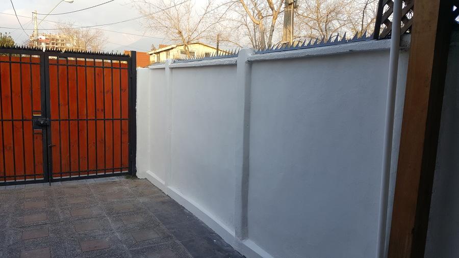 Muros pintados con defensas