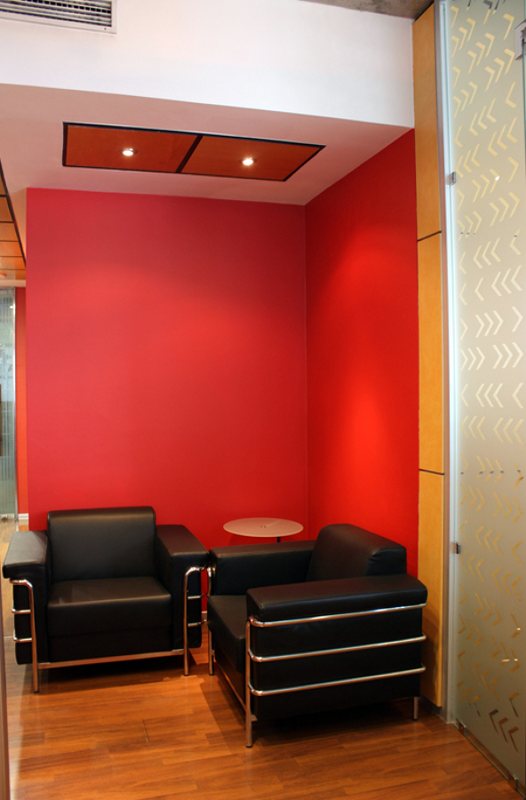 Oficina Toshiba: remodelación interior.