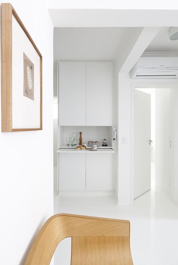 Pasillo con mini cocina