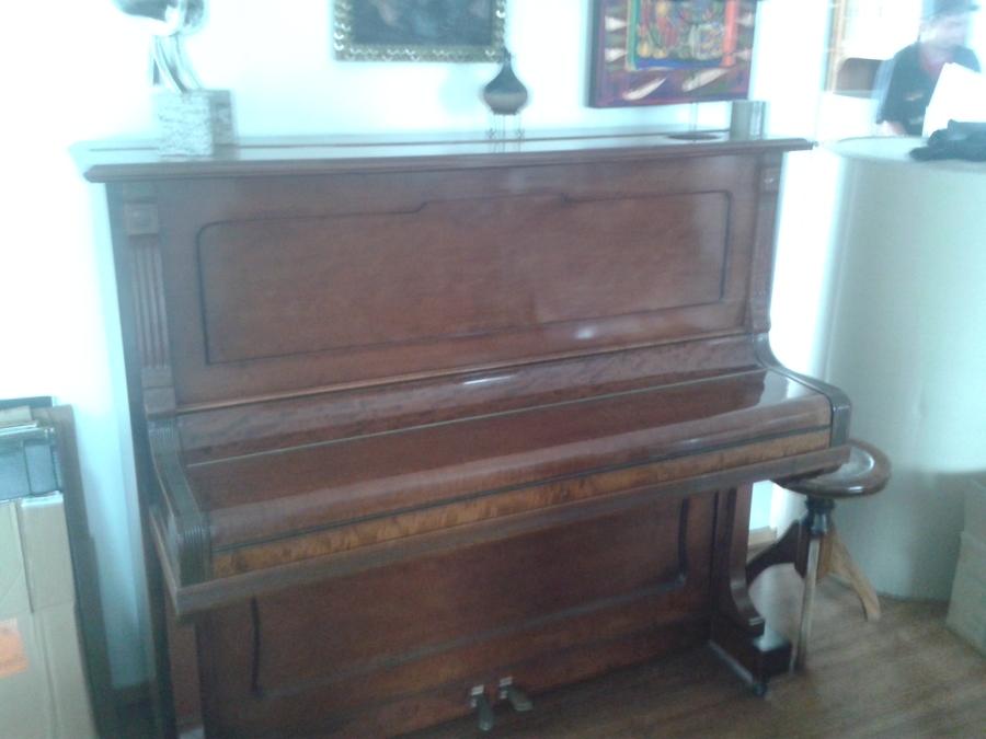 Piano Verticar.