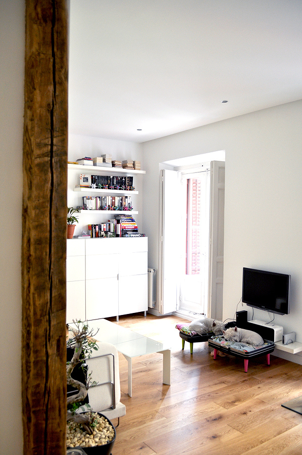 Pilar madera en departamento