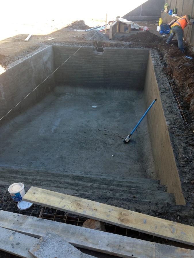 Foto piscina lista para instalaci n de equipos de - Instalacion piscina ...