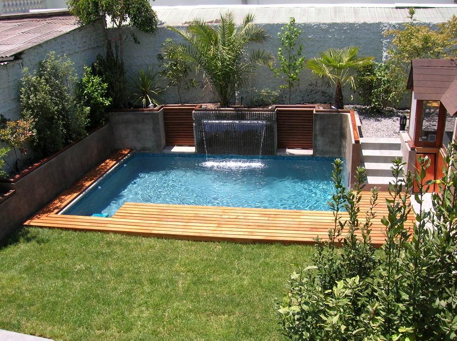 Foto piscina residencial con velo de agua de constructora for Piscina residencial