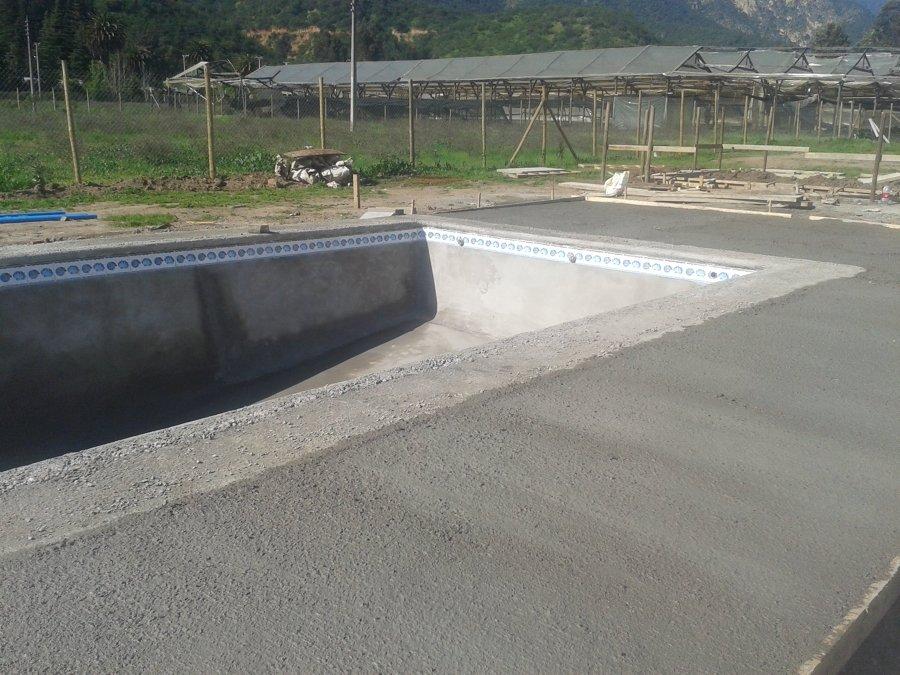 Construcci n de piscina en pelumpen olmue ideas for Construccion piscinas chile