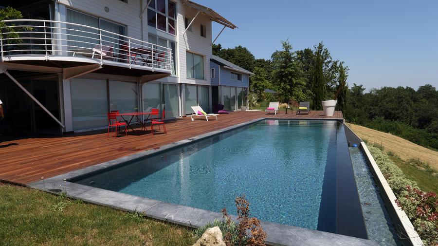 Foto piscina infinita 162962 habitissimo for Piscina infinita construccion