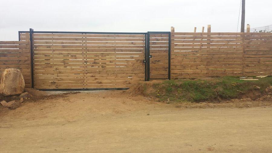 Portón y puerta terminados