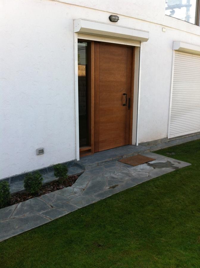 Puerta acceso principal