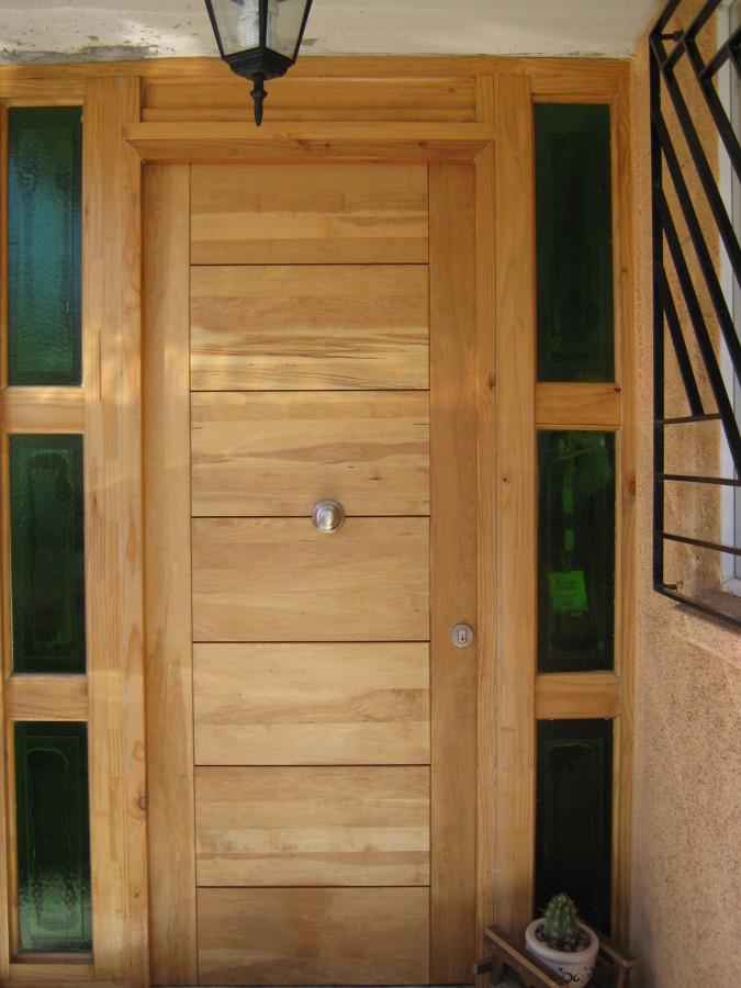 Puerta acceso principal ideas carpinteros for Ideas de puertas de madera