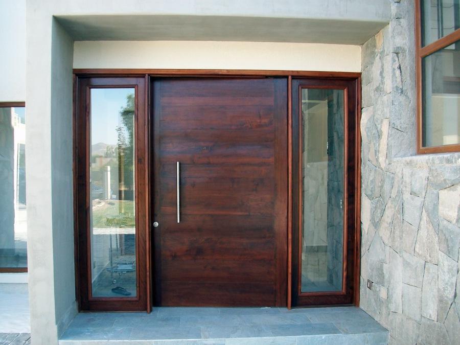 Foto puerta de acceso de silber limitada 23287 habitissimo for Puertas de acceso modernas