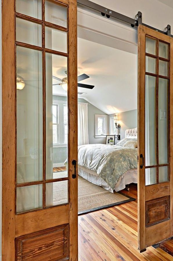 Puerta corredera en dormitorio