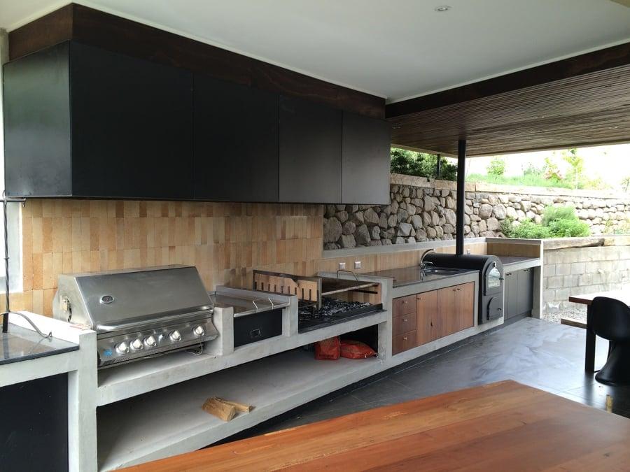 Un quincho integrado en la casa ideas construcci n casa for Casa minimalista con quincho
