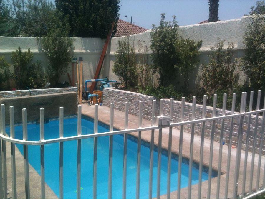 Rejas exteriores y piscinas ideas carpinter a met lica for Piscina metalica
