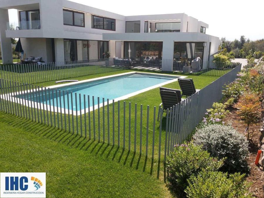 Rejas cierres perimetrales piscinas y portones entrada for Modelos de portones metalicos para casas